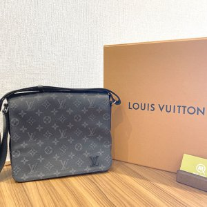 大阪のお客様からヴィトンのエクリプスのメッセンジャーバッグ【ディストリクトPM】を買取
