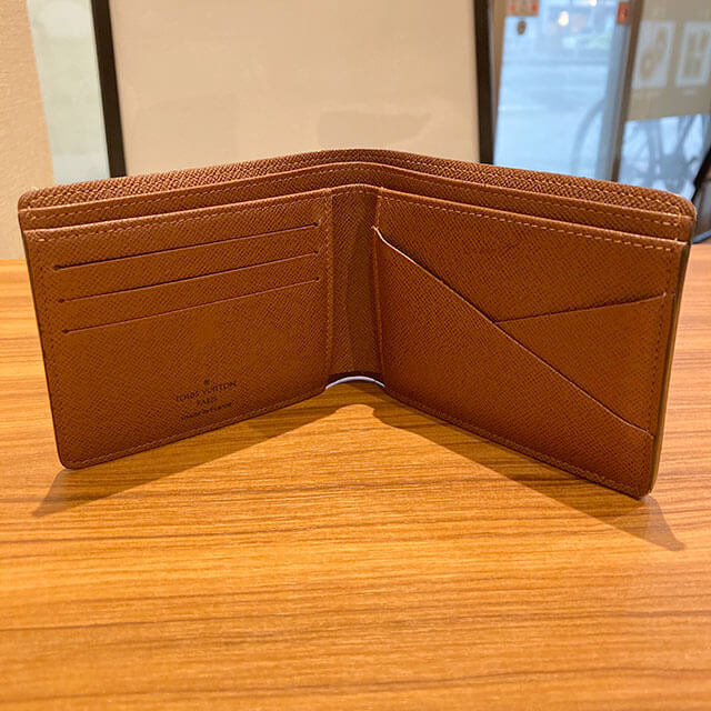 天王寺のお客様からヴィトンの二つ折り財布【ポルトフォイユ・ミュルティプル】を買取_03
