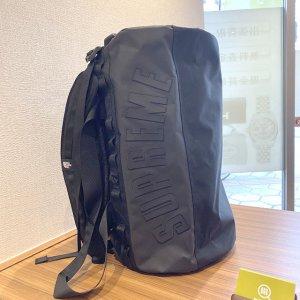 和泉のお客様からシュプリーム×ノースフェイスの【Arc Logo Small Base Camp Duffle Bag】を買取