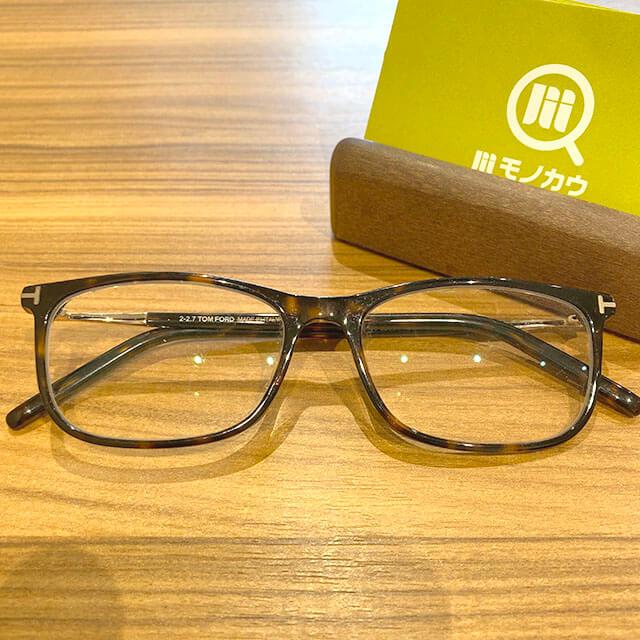 東大阪のお客様からトムフォードのサングラスを買取_01