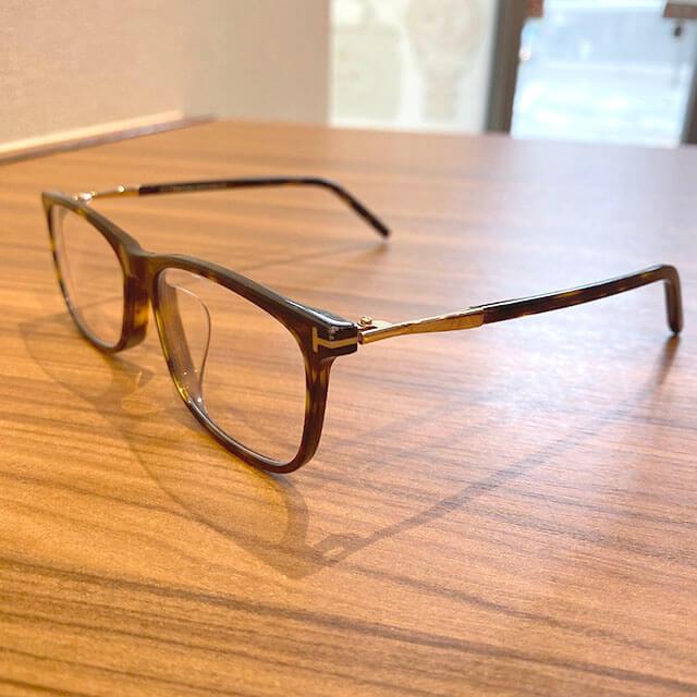 東大阪のお客様からトムフォードのサングラスを買取_02