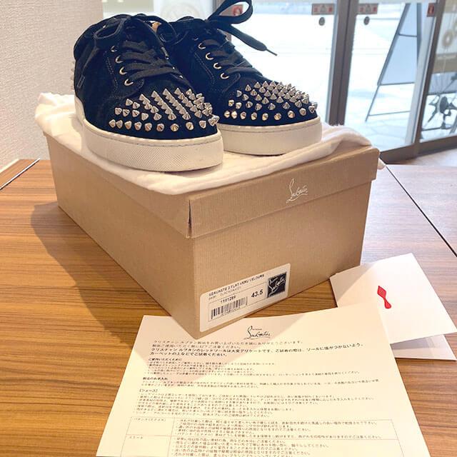 奈良のお客様からルブタンのスニーカー【Seavaste2】を買取_04
