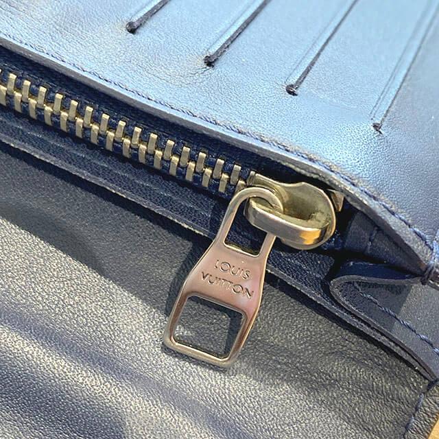 流山のお客様からヴィトンの長財布【ポルトフォイユ・ブラザ Vシグネチャー】を買取_04