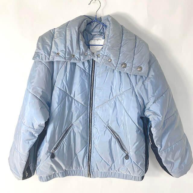 福島のお客様からシャネルのジップアップジャケットを買取_01