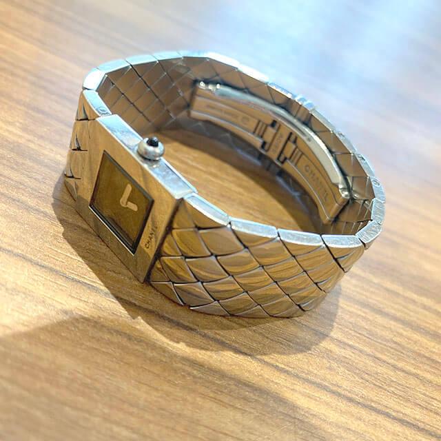 モノカウ緑橋店にてシャネルの腕時計【マトラッセ】を買取_04