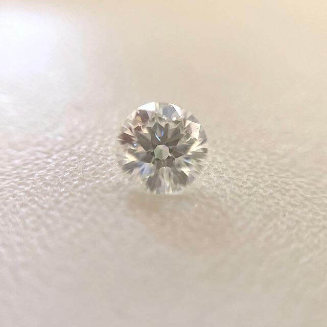東大阪のお客様から0.3カラットのダイヤモンドを買取_02
