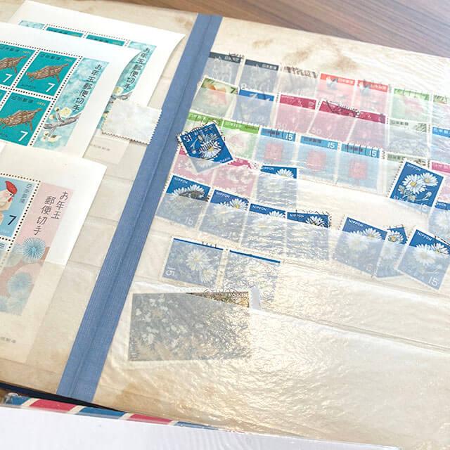 松屋町のお客様から切手の山を買取_04