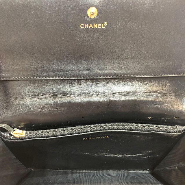 モノカウ心斎橋店にてシャネルの【チョコバー】の長財布を買取_04