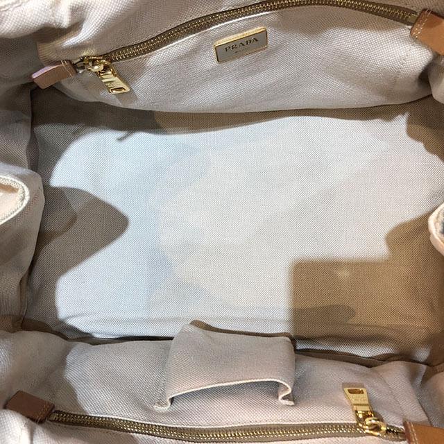 モノカウ心斎橋店にてプラダのハンドバッグ【カナパ】を買取_03