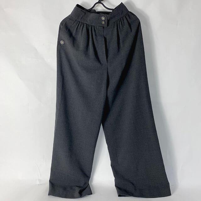 福島のお客様から宅配買取にてシャネルのパンツを買取_01