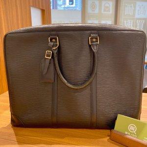 モノカウ緑橋店にて今里のお客様からヴィトンのビジネスバッグ【ヴォワヤージュ】を買取