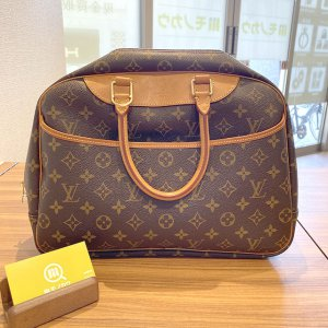 モノカウ心斎橋店にて東大阪のお客様からヴィトンのバッグ【ドーヴィル】を買取