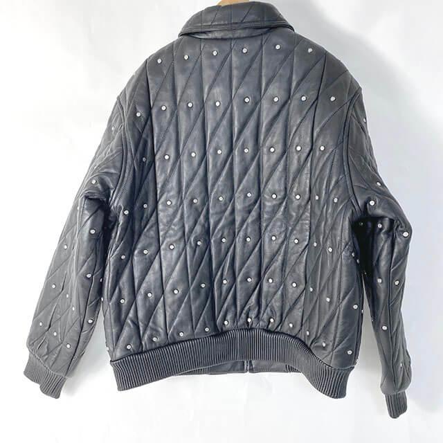 モノカウ心斎橋店にて豊中のお客様からシュプリームの【Quilted Studded Leather Jacket】を買取_02