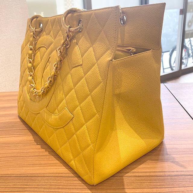 熊本のお客様から宅配買取にてシャネルのキャビアスキンのチェーンバッグを買取_02