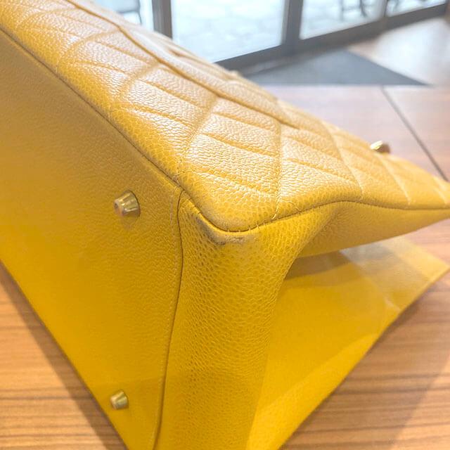 熊本のお客様から宅配買取にてシャネルのキャビアスキンのチェーンバッグを買取_03