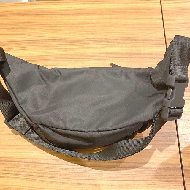 鹿児島のお客様から宅配買取にてジバンシィのウェストバッグを買取_04