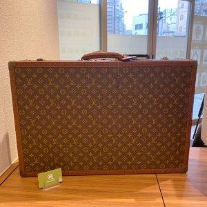 モノカウ玉造店にて城東区のお客様からヴィトンのスーツケース【ビステン70】を買取