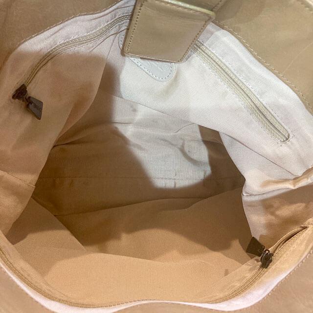 出張買取にて明石のお客様からシャネルのトートバッグを買取_03
