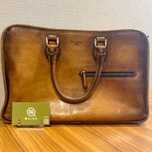 モノカウ心斎橋店にて天王寺のお客様からベルルッティのハンドバッグを買取